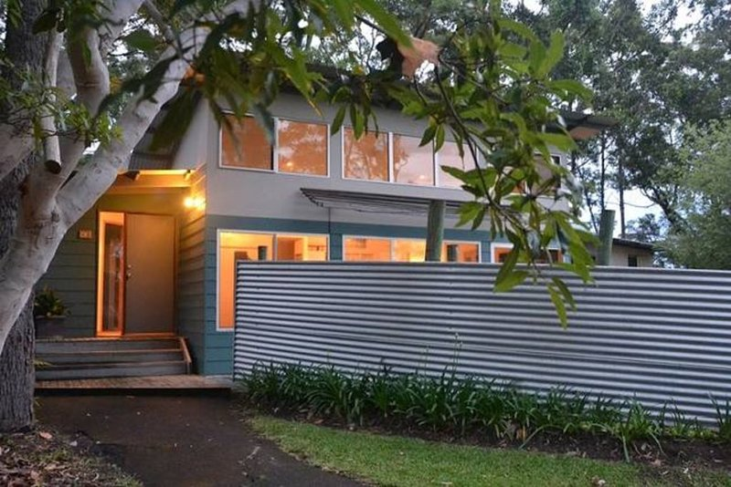 Yacht Club - Holiday House (near Hyams Beach), casa vacanza a Worrowing Heights