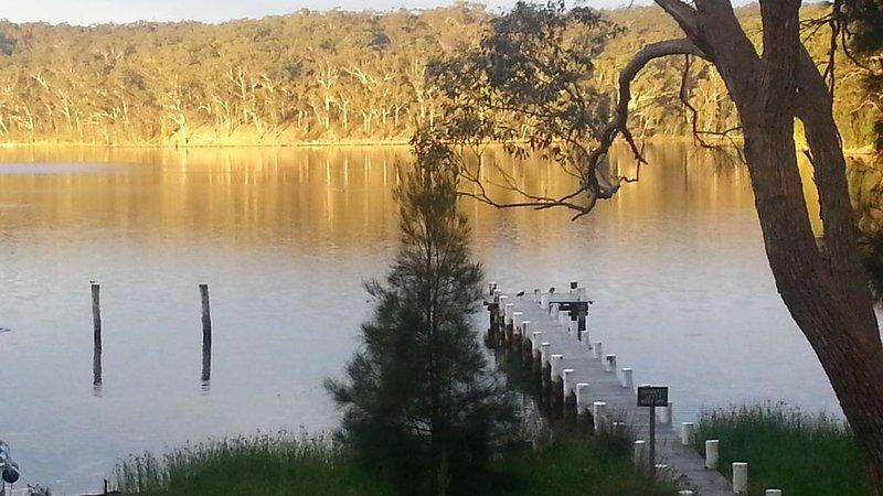 'Battunga', a lakeside retreat., Ferienwohnung in Kings Point