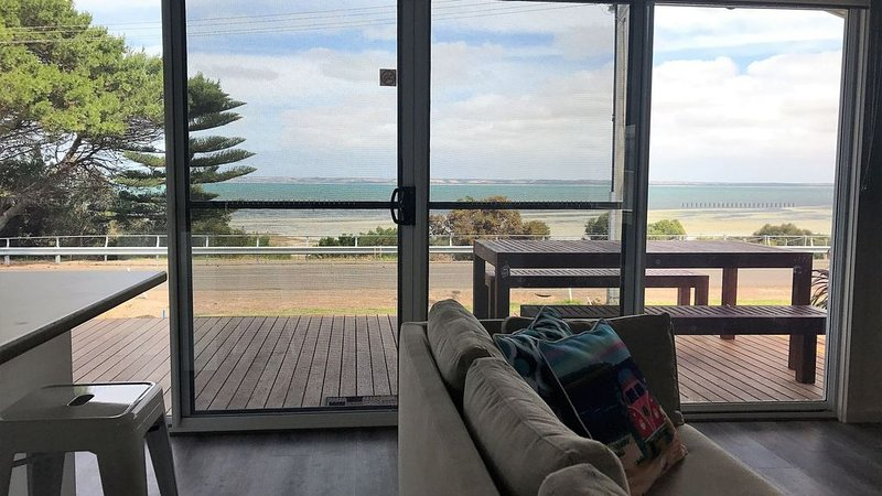 Baywatch Kingscote - [NEW] Beachfront get-away, holiday rental in Kangaroo Island