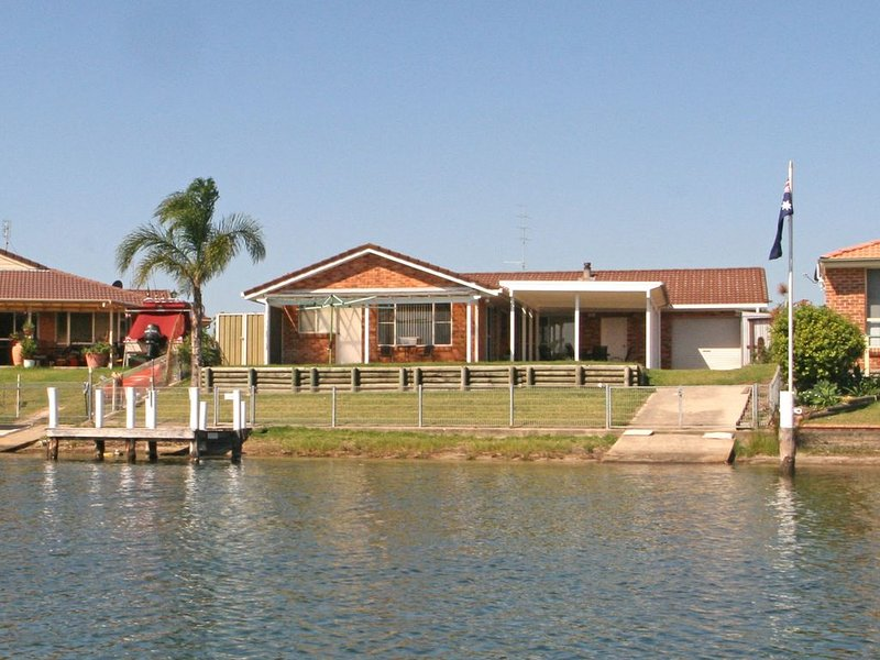Island Paradise on Dotterel, holiday rental in Sussex Inlet