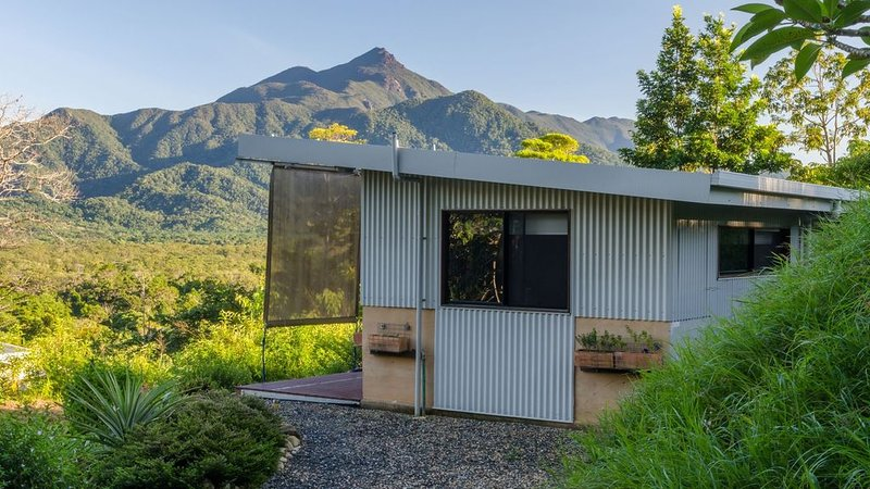 Wompoo Retreat - Mangosteen Bungalow with views – semesterbostad i Cow Bay