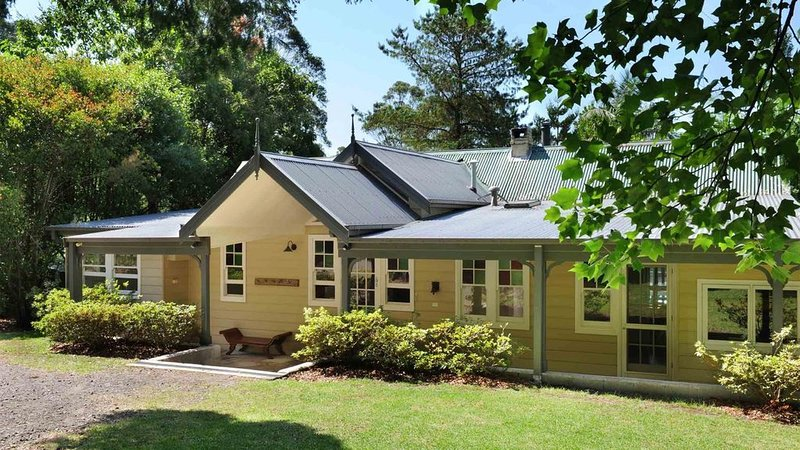 Private rural retreat in a beautiful setting perfect for two families or groups, holiday rental in Bellawongarah