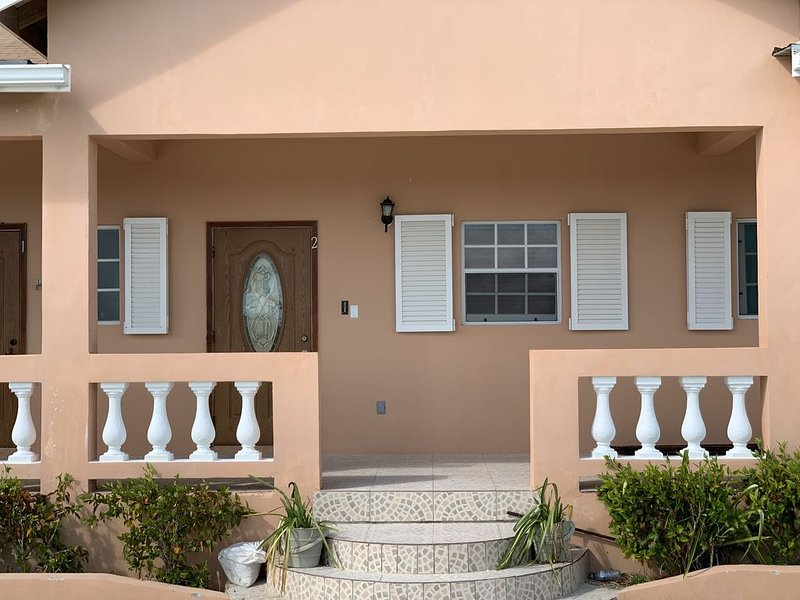 Your home away from home, located in the heart of Paradise!, holiday rental in Long Bay Beach