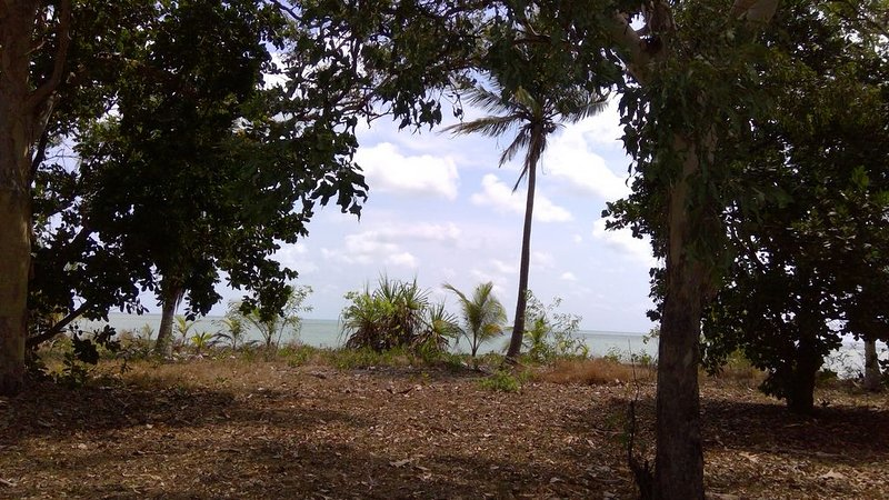 THE BEACH SHACK on the waterfront close to the Lodge of Dundee, holiday rental in Northern Territory