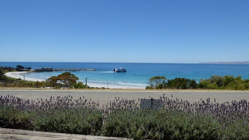 Beautiful, Peaceful Hog Bay Villa, holiday rental in Kangaroo Island