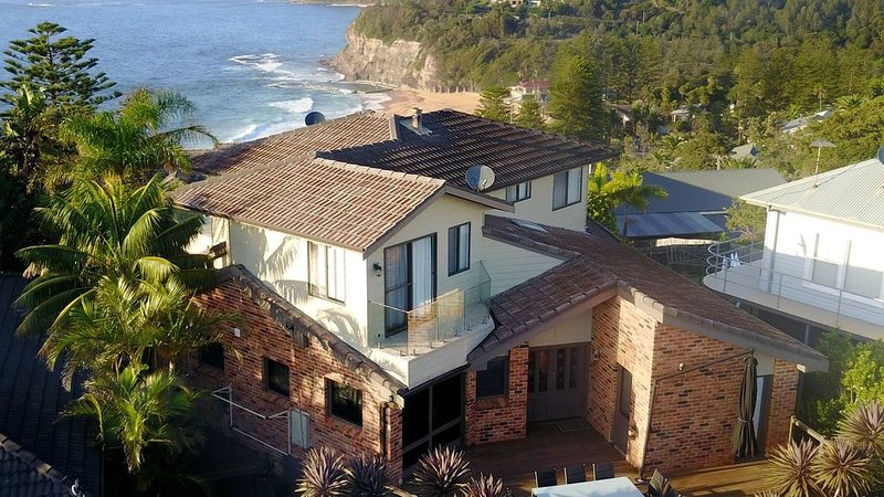 Avalon Beach Lookout - set on the headlabd between Avalon and Bilgola Beaches