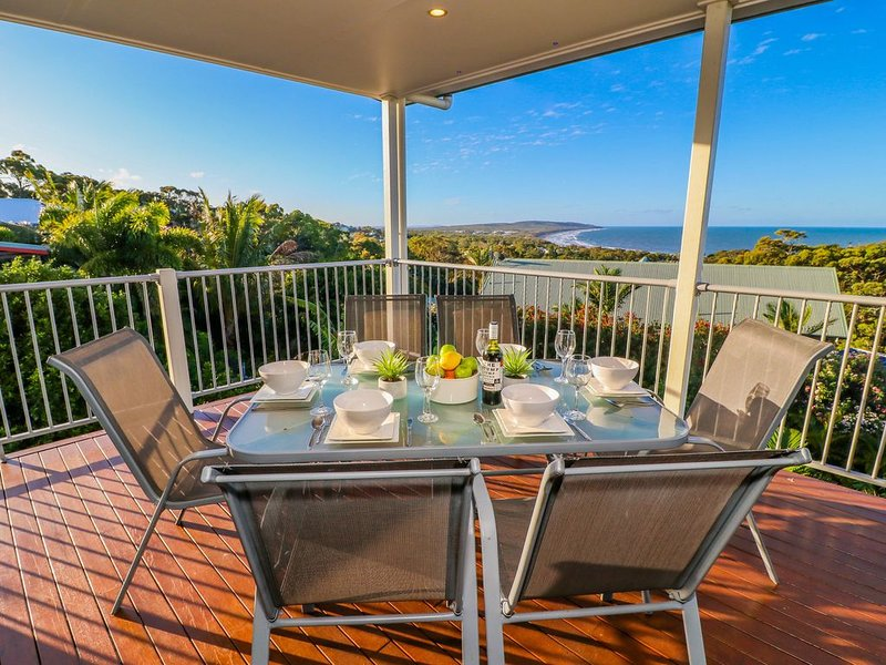 PACIFIC GETAWAY holiday home, holiday rental in Deepwater