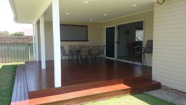 Fish Cottage - home away from home - pet friendly - wifi - reverse cycle aircon, vacation rental in Ulladulla