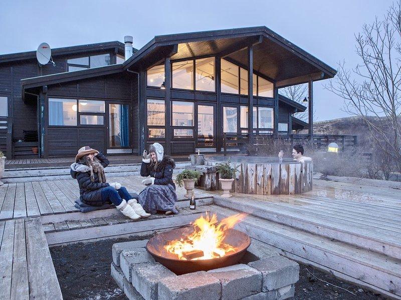10 bedroom Luxury Lodge with a Hot Tub, Spa, Sauna, Gym and Game Room, location de vacances à Région sud