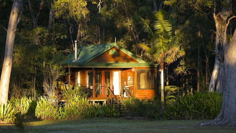 Lake Weyba Cottages - Pet Friendly, holiday rental in Eumundi