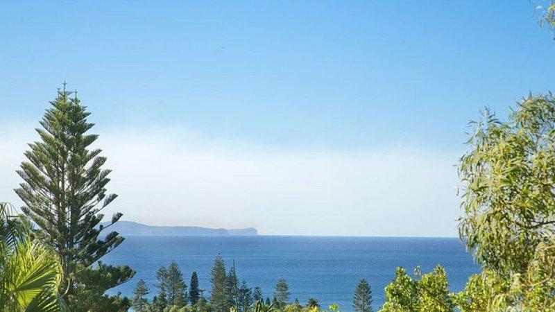 Tzupedo Beach Escape, holiday rental in North Narrabeen