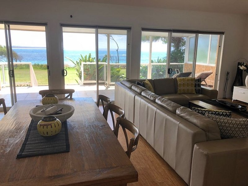 Waterfront overlooking Rockpool, holiday rental in Shoalhaven