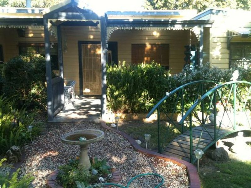 Rosebud house ****** PET FRIENDLY, FOXTELL, POOL TABLE & UNDERCOVER BBQ AREA, holiday rental in McCrae