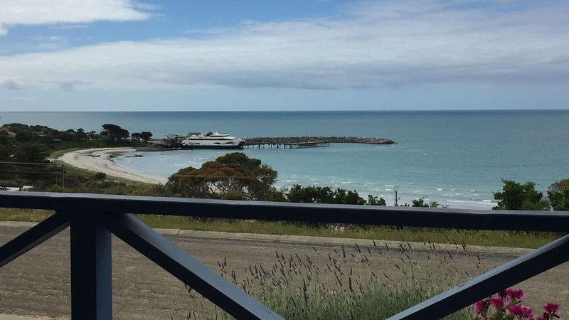 Freshwaterbay Holiday House, vacation rental in Penneshaw