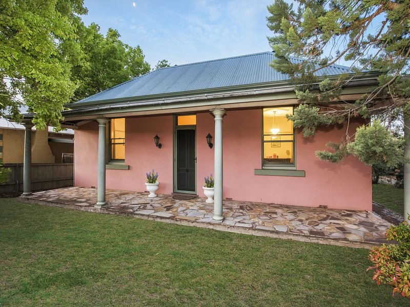 Ideal Mudgee location - walk 1-2 blocks to anywhere in the town centre!, location de vacances à Windeyer