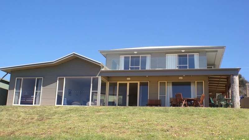 Snellings Beach House, vacation rental in Stokes Bay