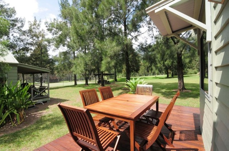 Rainbow Reach - beautiful golf course cabin, holiday rental in Budgong