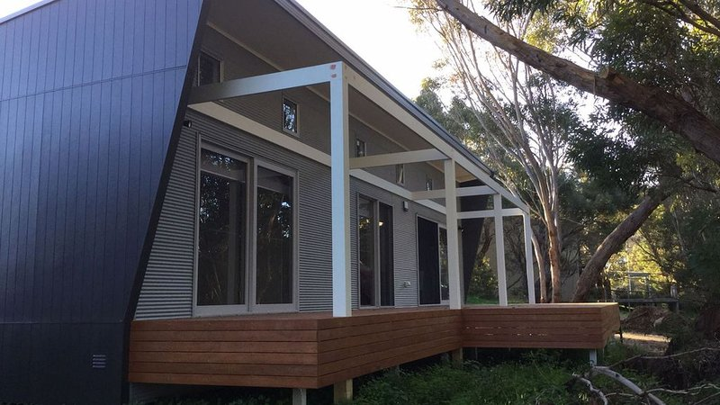Stringy Bark, a Modern House with all the comforts!, holiday rental in Kangaroo Island