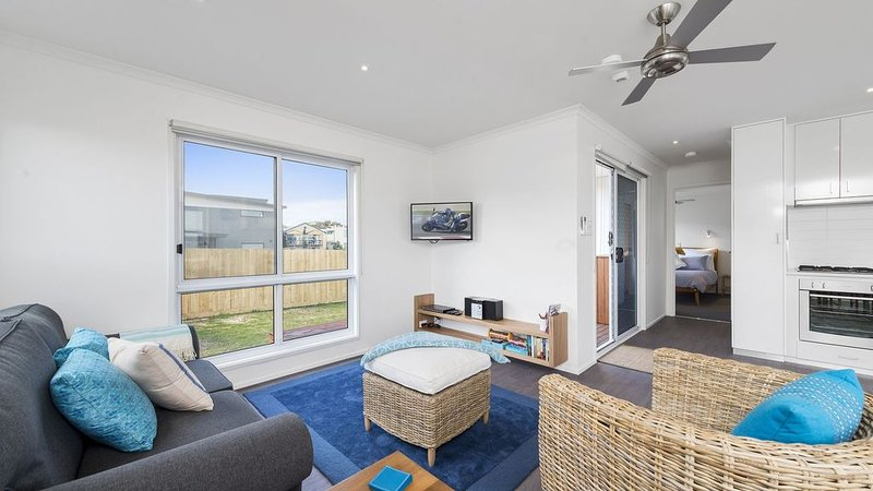 Stay in this modern home situated in the heart of Apollo Bay, holiday rental in Apollo Bay