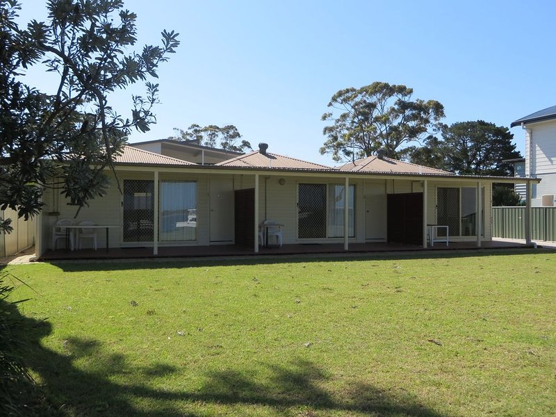 Lorsens On The River - Cabin 3, holiday rental in Nowra