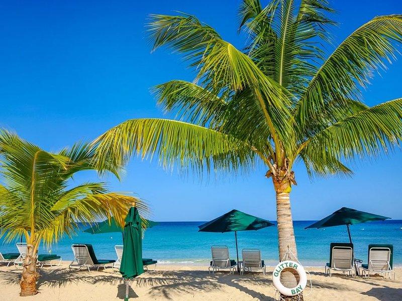 Glitter Bay 309 - A Luxury 2 Bedroom Condo in Barbados - Complimentary Concierge, vacation rental in Porters