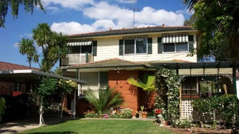 Budget Sydney Holiday House with WIFI & Netflix, casa vacanza a Casula