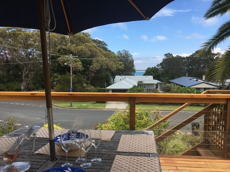 At the Rockpool Beach House, holiday rental in Currarong