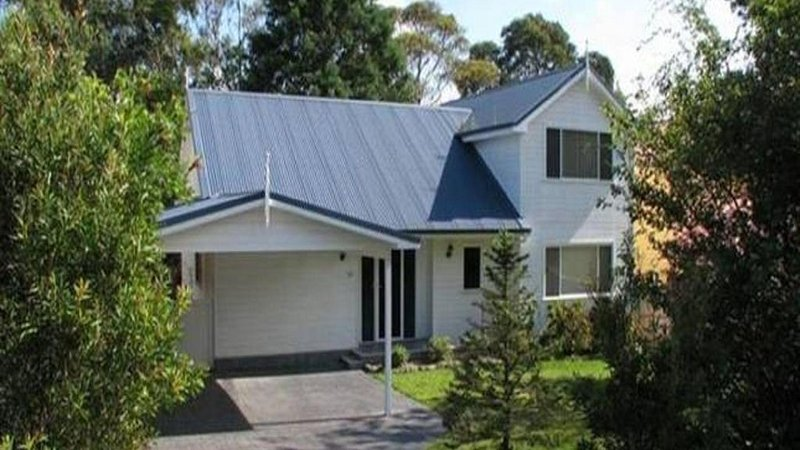 Relaxing, modern, open plan fully-equipped Beach House 500m to Narrawallee beach, holiday rental in Narrawallee