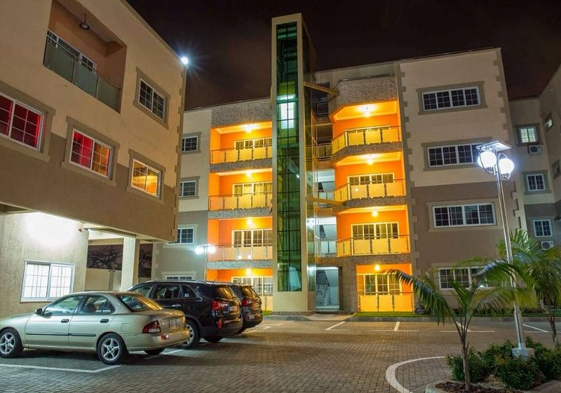 3 bedrooms fully furnished Apartments for rent (Short stay available), alquiler vacacional en Legon