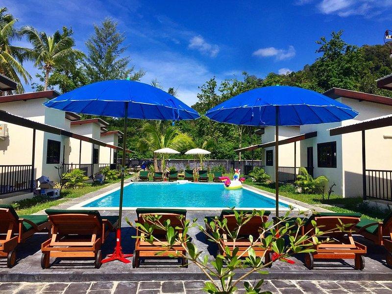 YinDee Lanta Villa - Klong Dao Beach, holiday rental in Ban Sala Dan