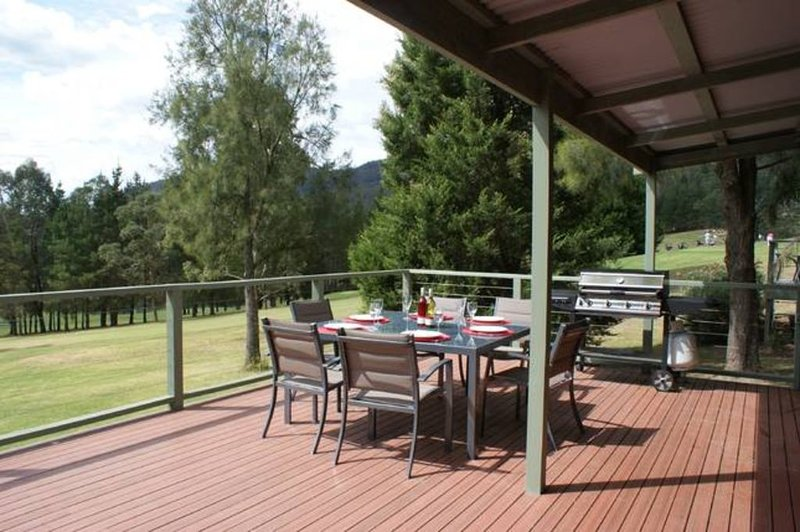 Escarpe Country Club Cabin, holiday rental in Budgong