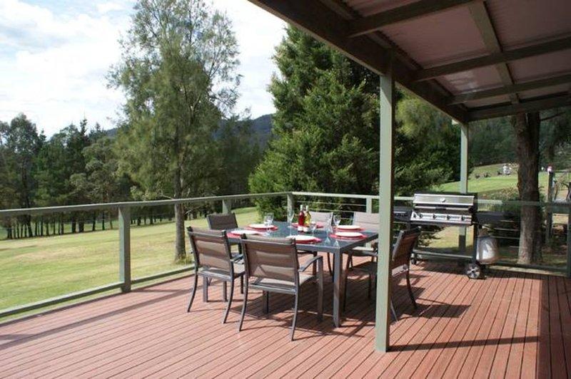 Escarpe Country Club Cabin, vacation rental in Kangaroo Valley