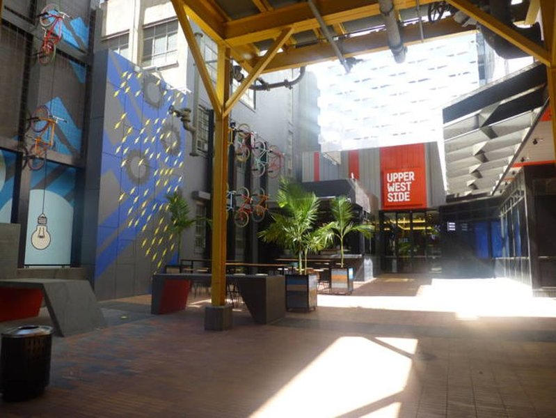 Upper West Side Madison, 2B/r 2 Bathroom & Free Parking, vacation rental in Melbourne