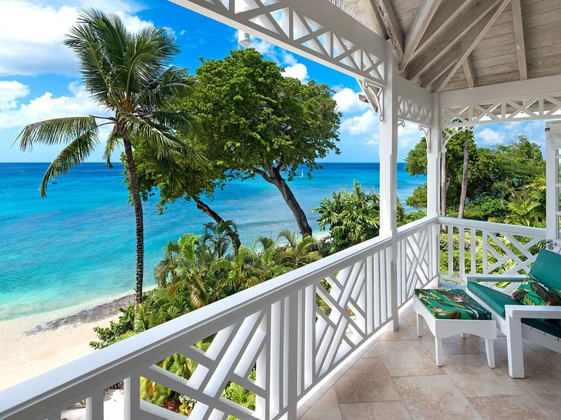 Beachfront Bliss with Plunge Pool - Seashells, vacation rental in Holder's Hill