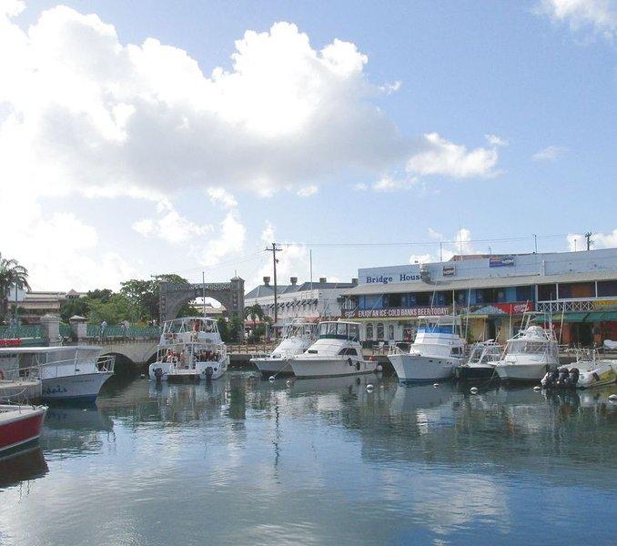Bridgetown Waterfront Restaurants, Einkaufen