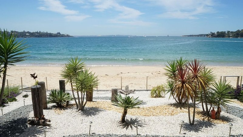 Waves Beachside Accomodation, holiday rental in Helensburgh
