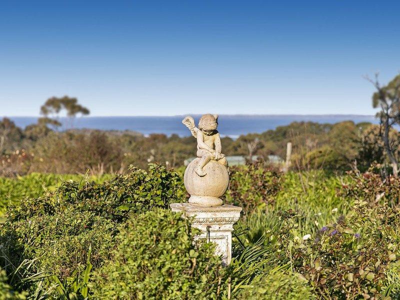 Little Breda Exclusive Shoreham property with panoramic Bay views on acreage, alquiler vacacional en Balnarring