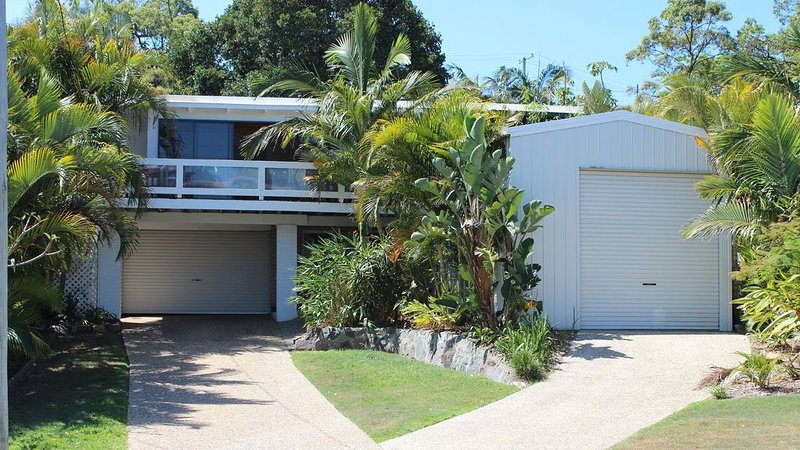 Caloundra Holiday Beach House, vacation rental in Caloundra