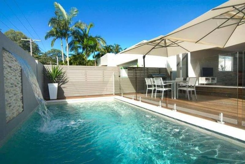 Fabulous private pool and deck, vacation rental in Coolum Beach