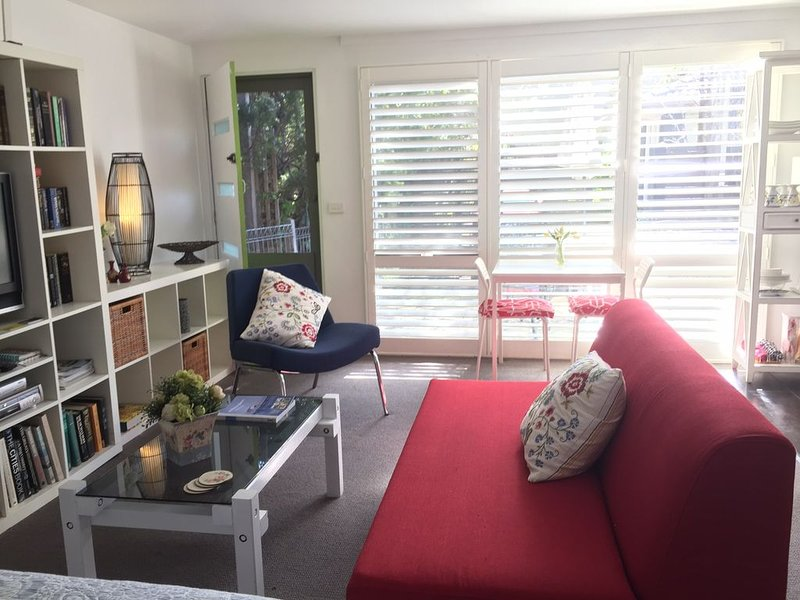Private Pet friendly self contained accommodation set in lovely garden surrounds, holiday rental in Mornington Peninsula
