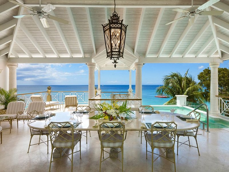 LA MIRAGE AT OLD TREES -  Luxury 4 bedroom fully staffed beach front villa, vacation rental in Paynes Bay