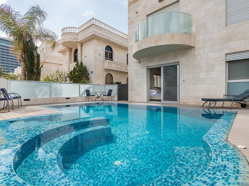 Villa Tehila Al Hayam - Stayfirstclass, holiday rental in Netanya