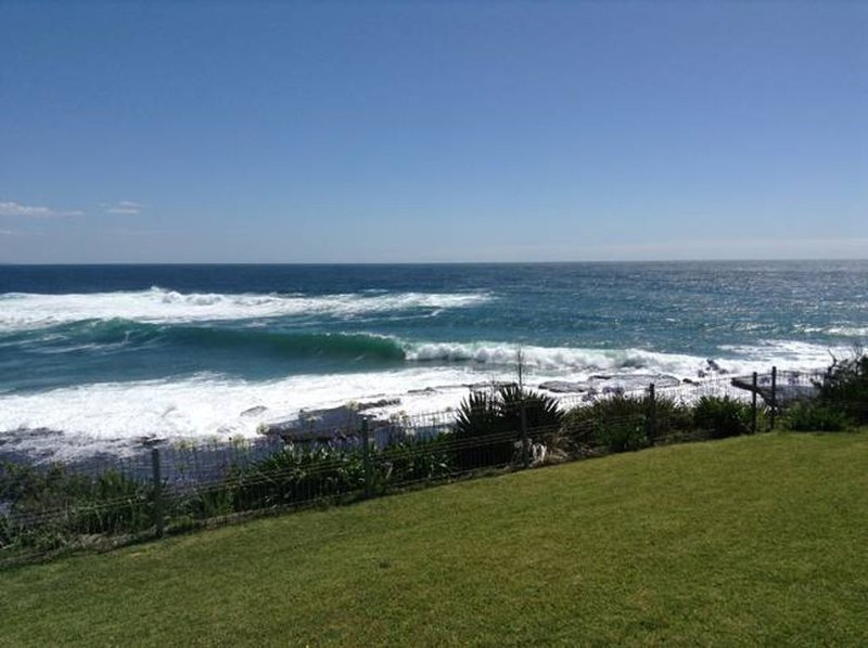 Above the Sea. Stunning view from Penguin Head., holiday rental in Culburra Beach