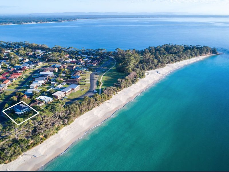 Modern waterfront with water views from every room – semesterbostad i Hyams Beach
