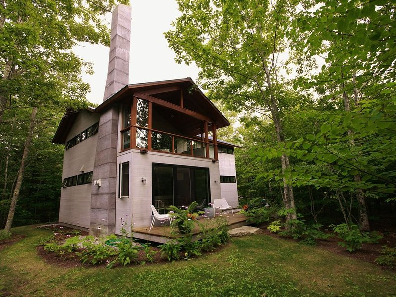 Exquisitely Modern Maine Cottage, vacation rental in Brooksville