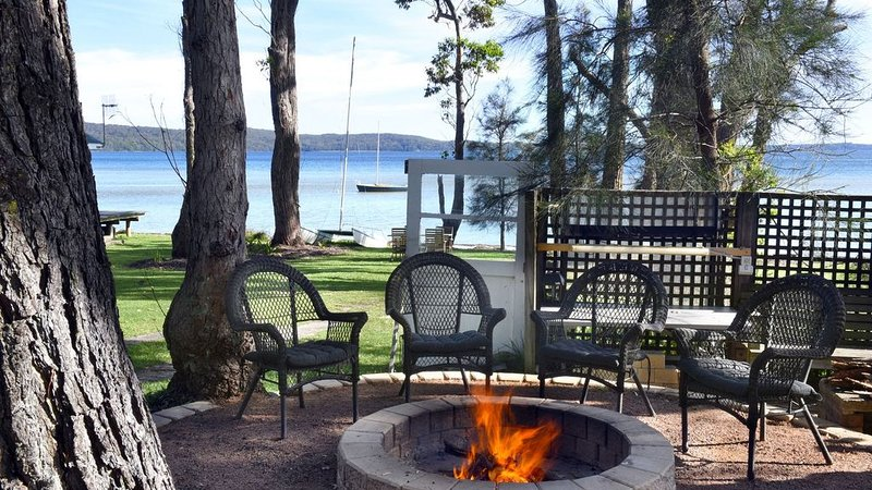Georges on the Basin - Absolute waterfront, holiday rental in Jervis Bay