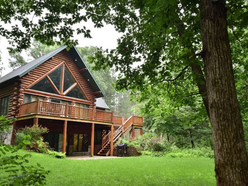 4 bedroom accommodation in Wisconsin Dells, holiday rental in Oxford