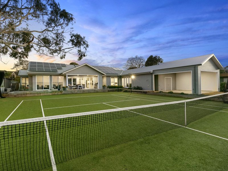 Private, Luxurious Flinders Holiday House with Tennis Court, vacation rental in Mornington Peninsula