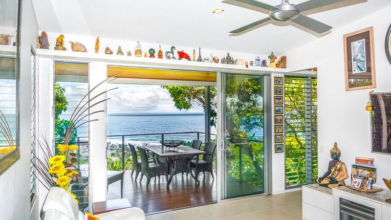 COOLUM BOUTIQUE TREE HOUSE Ocean Views, vacation rental in Coolum Beach