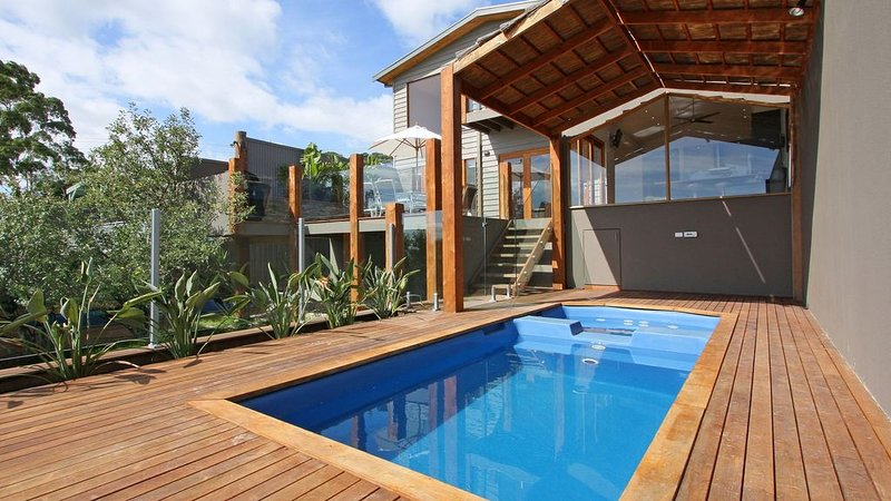 Seaside Getaway Dromana - Perfect for Families, vacation rental in Dromana